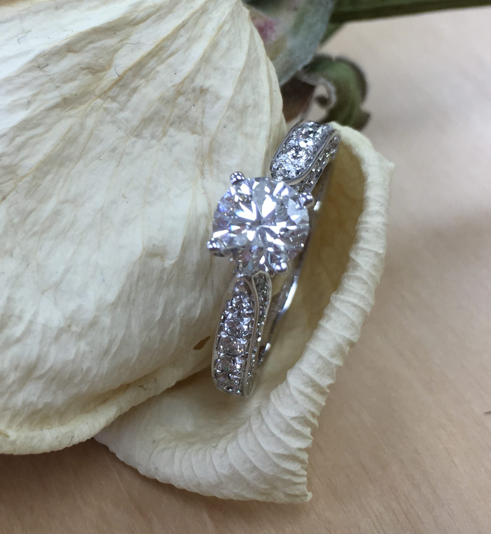 Customize your engagement ring