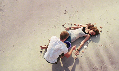 Miley Cyrus & Liam Hemsworth in The Last Song