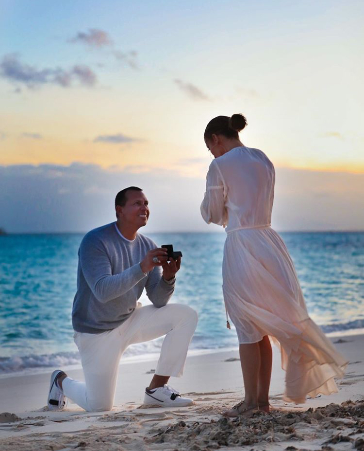 Jennifer Lopez & Alex Rodriguez are engaged steal this style by my trio rings (10)