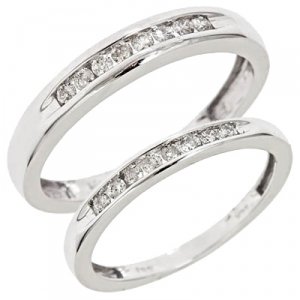 small size wedding rings things come in small
