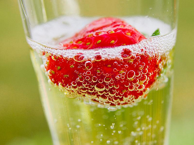 champagne-cocktail