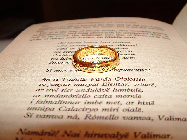 lord-of-the-rings-wedding-bands