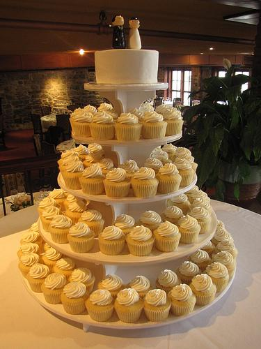 How To Do A Wedding Cake On Budget 5000 Simple Wedding Cakes