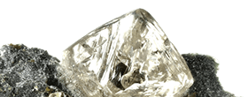 Naturally Conflict-free Diamonds